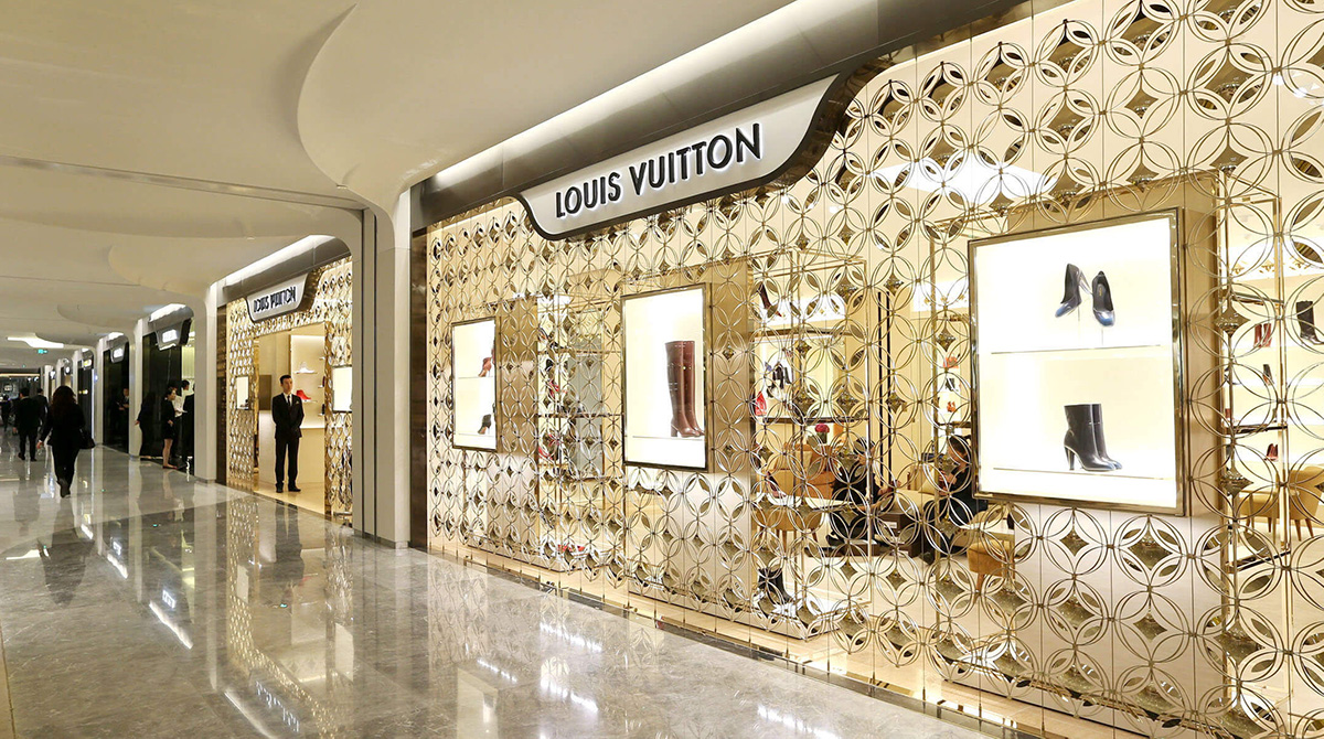 China Louis Vuitton boutique future online luxury retail Luxe Digital