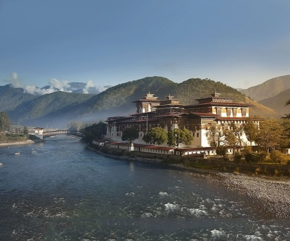 Luxe Digital travel Bhutan Punakha Dzong