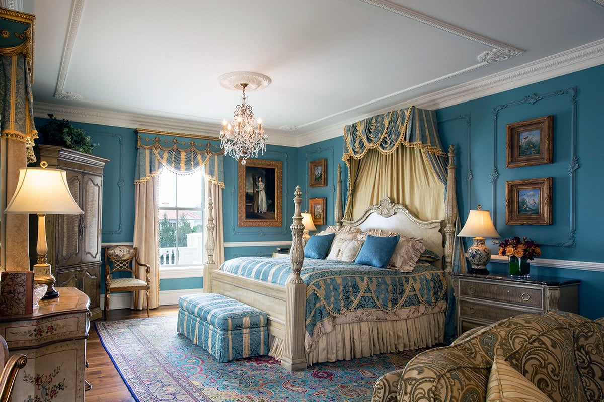 Luxe Digital luxury travel Chanler hotel Newport Rhode Island Renaissance room