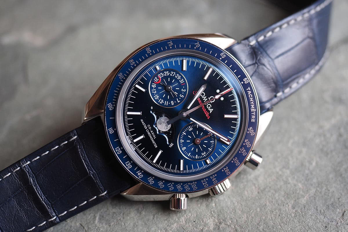 Omega Speedmaster Moonphase Co-Axial Master Chronometer Chronograph - luxury watch Luxe Digital