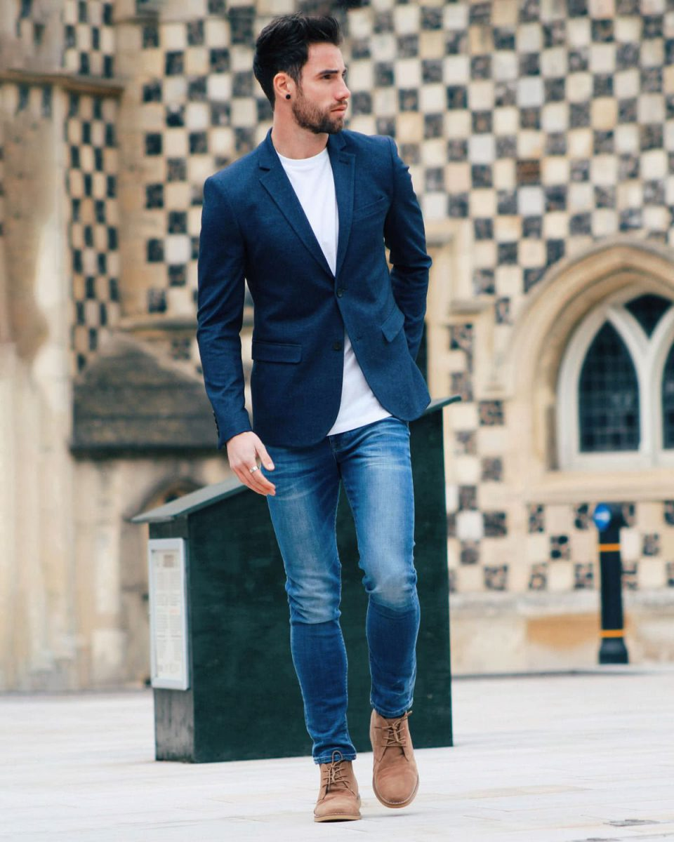 A relaxed take on the smart casual style