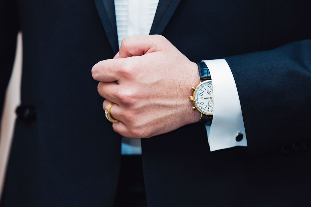 business professional style guide luxury watch - Luxe Digital