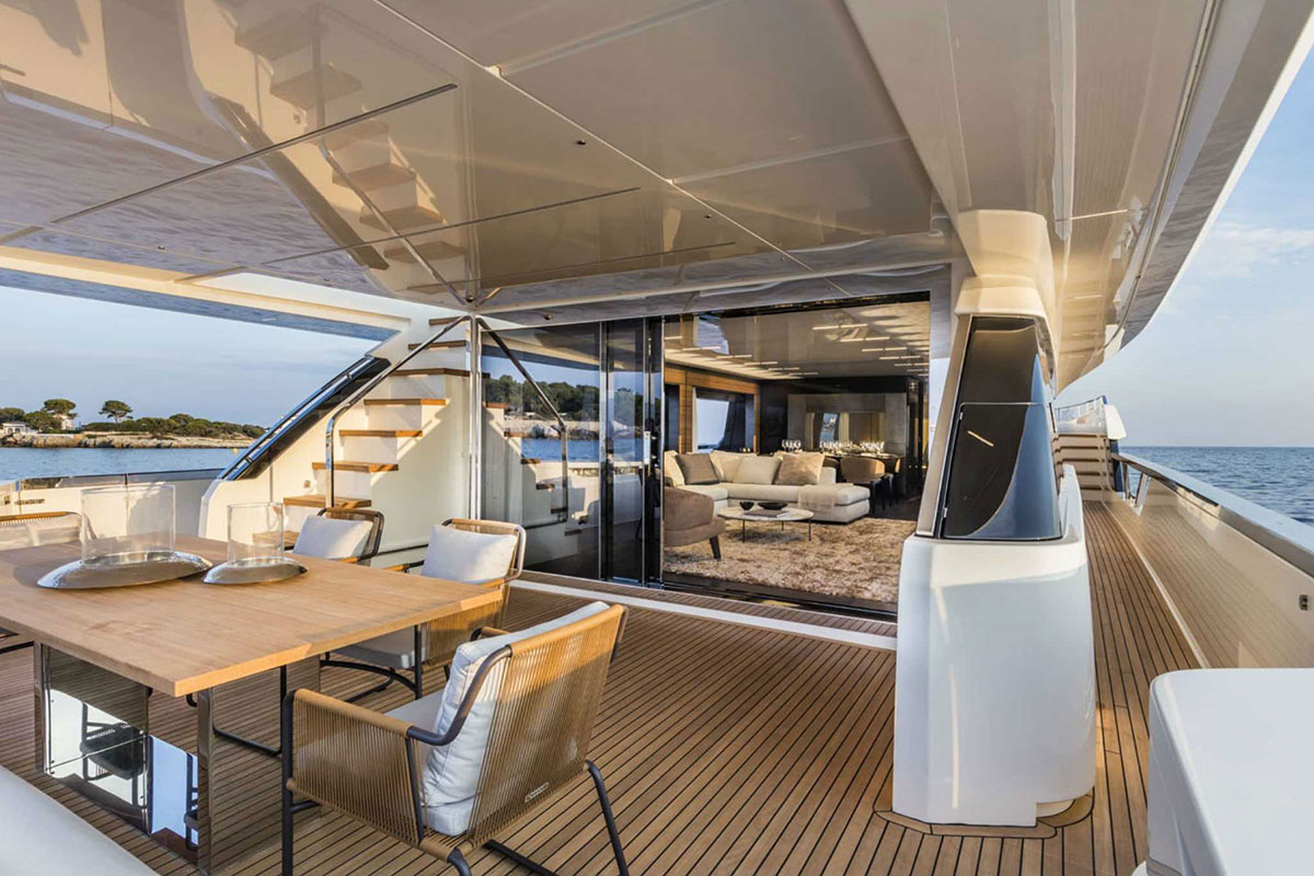 Ferretti 920 interior luxury yacht - Luxe Digital