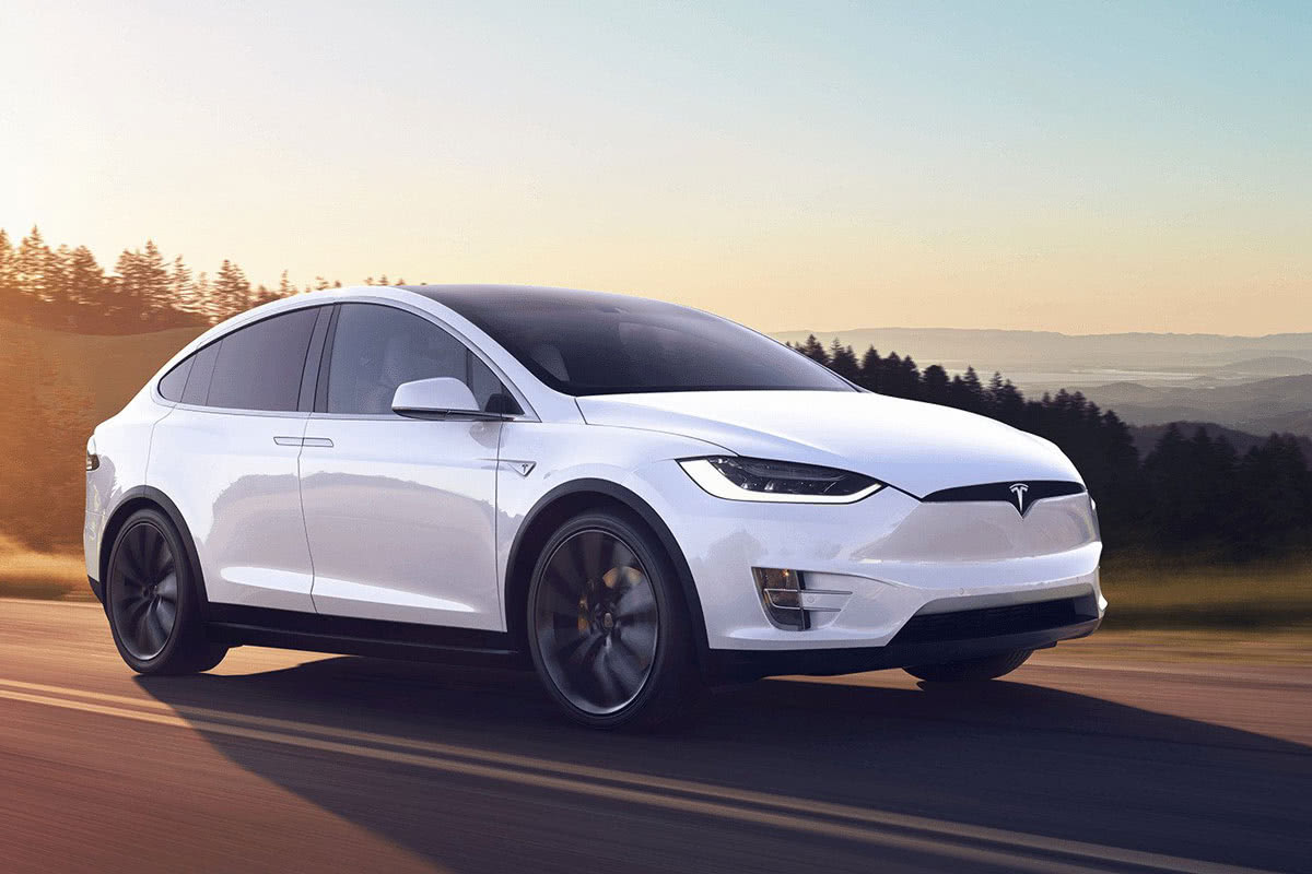 Tesla Model X 2020 best luxury SUV - Luxe Digital