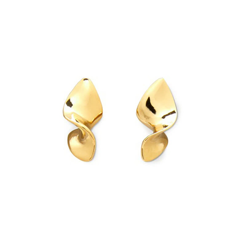 best luxury gift women golden earrings - Luxe Digital