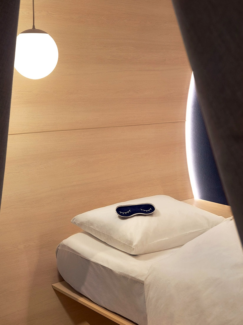 Casper mattress store how digital native luxury brands open physical retail stores - Luxe Digital