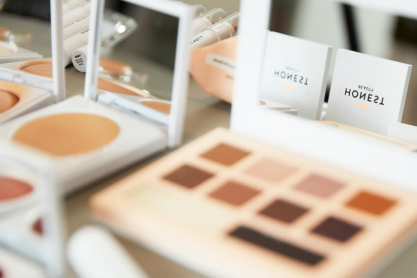 the honest company maquillaje natural luxe digital