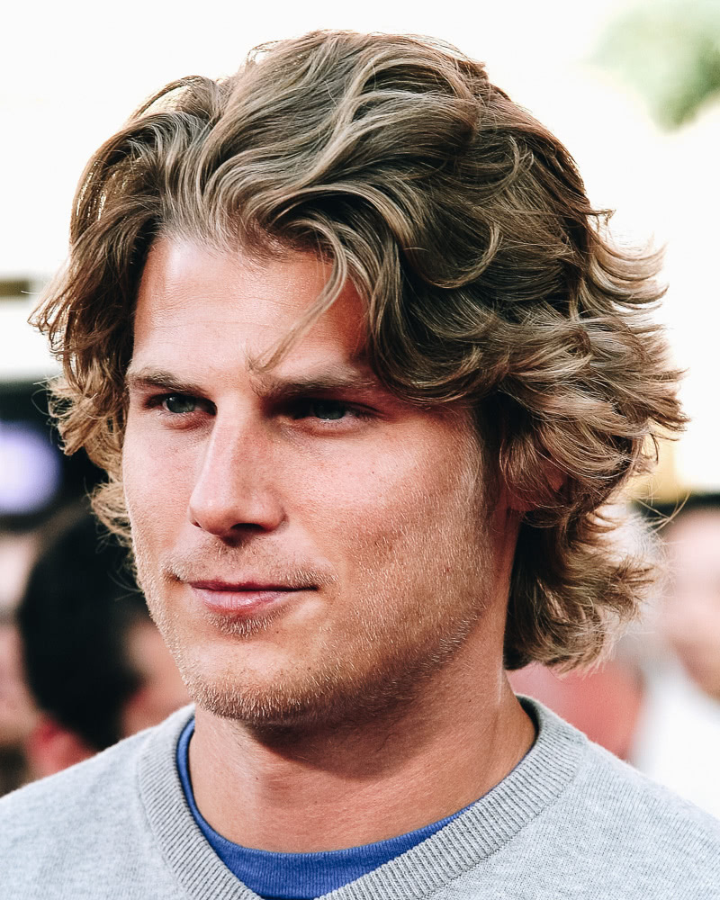 best medium length hairstyles men thick hair - Luxe Digital