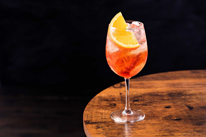best cocktails recipe aperol spritz - Luxe Digital