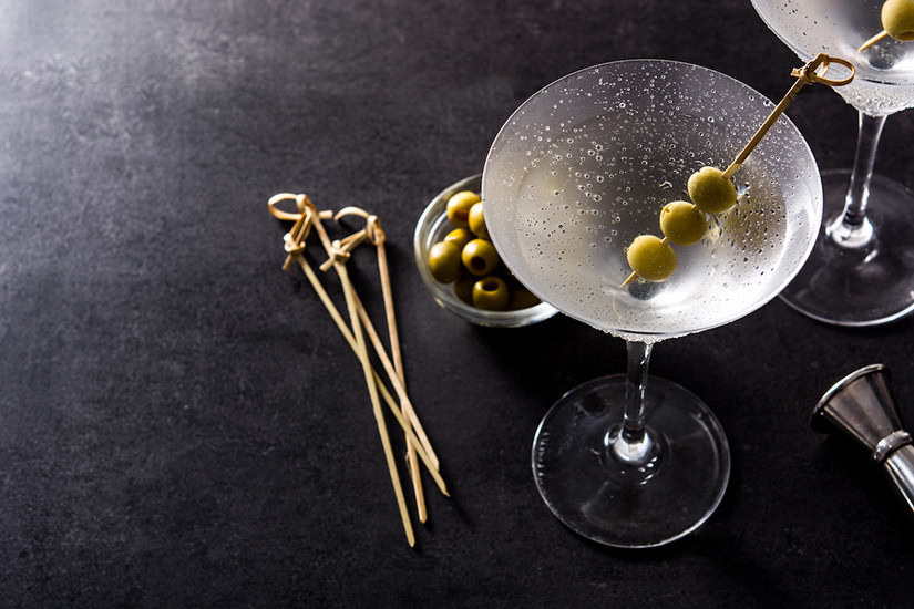 best cocktails recipe dry martini - Luxe Digital