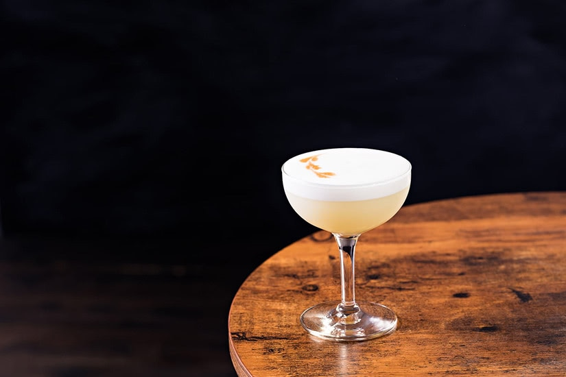 best cocktails recipe pisco sour - Luxe Digital