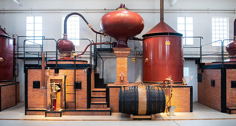 hennessy luxury cognac brandy distillery france - Luxe Digital