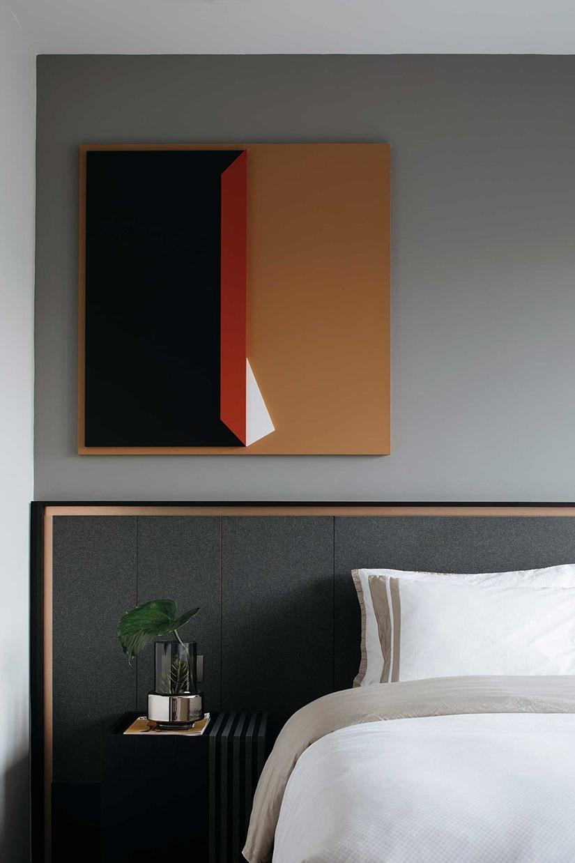 best sleep mask light-blocking - Luxe Digital