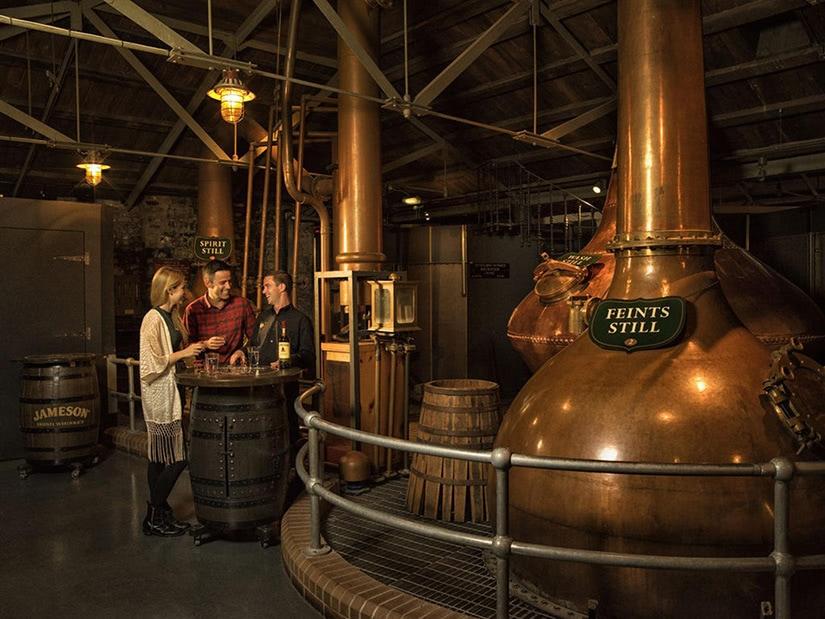 jameson whiskey irish distillery tour - Luxe Digital