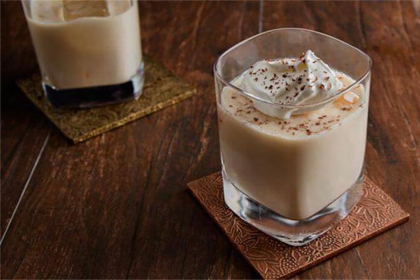 bola de bourbon líquido de la receta del cóctel de blanton - Luxe Digital
