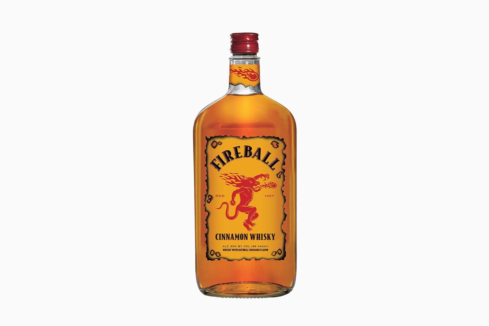 tamaño de precio de botella de whisky canela bola de fuego - Luxe Digital