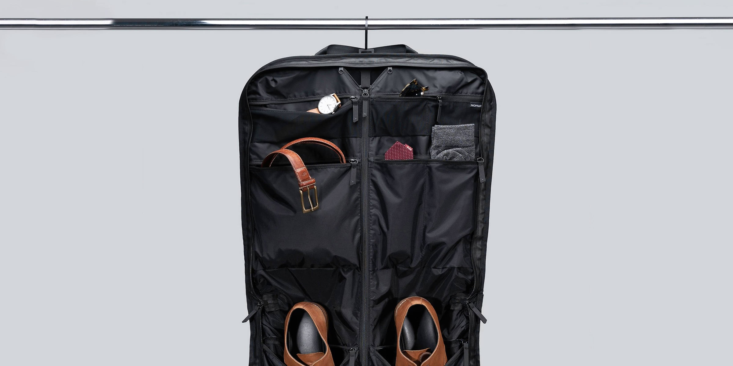 best garment bag - Luxe Digital
