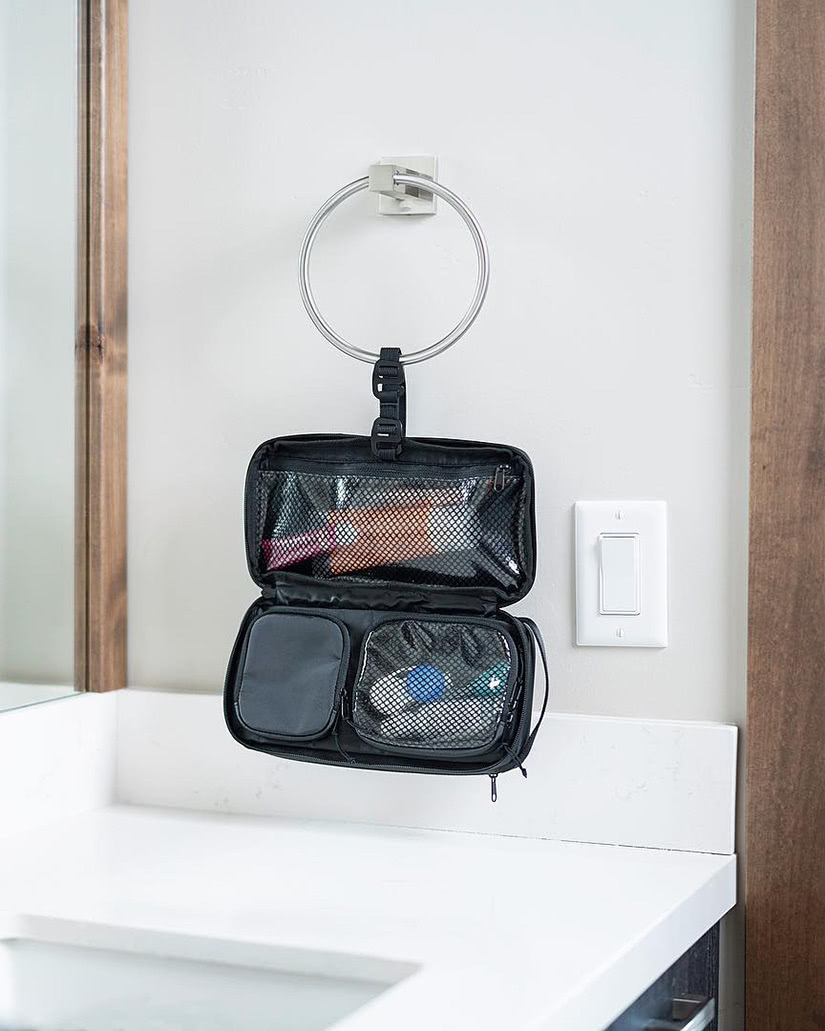 best dopp kit toiletry bags hanging nomatic men - Luxe Digital