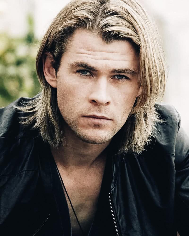 best long hairstyles men hard part chris hemsworth - Luxe Digital