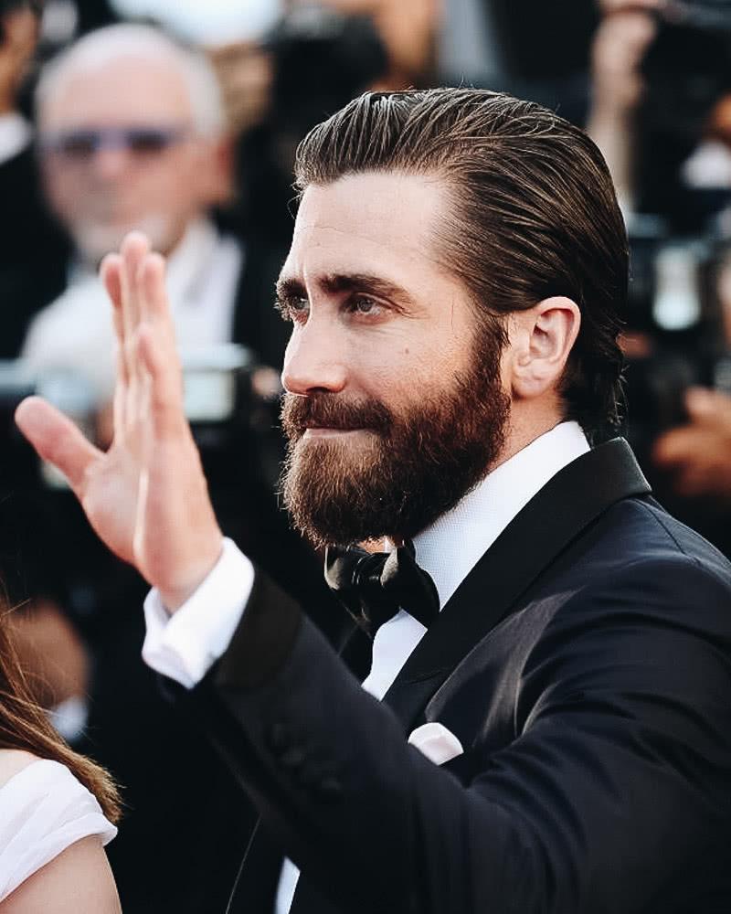 best long hairstyles men slick back jake gyllenhaal - Luxe Digital