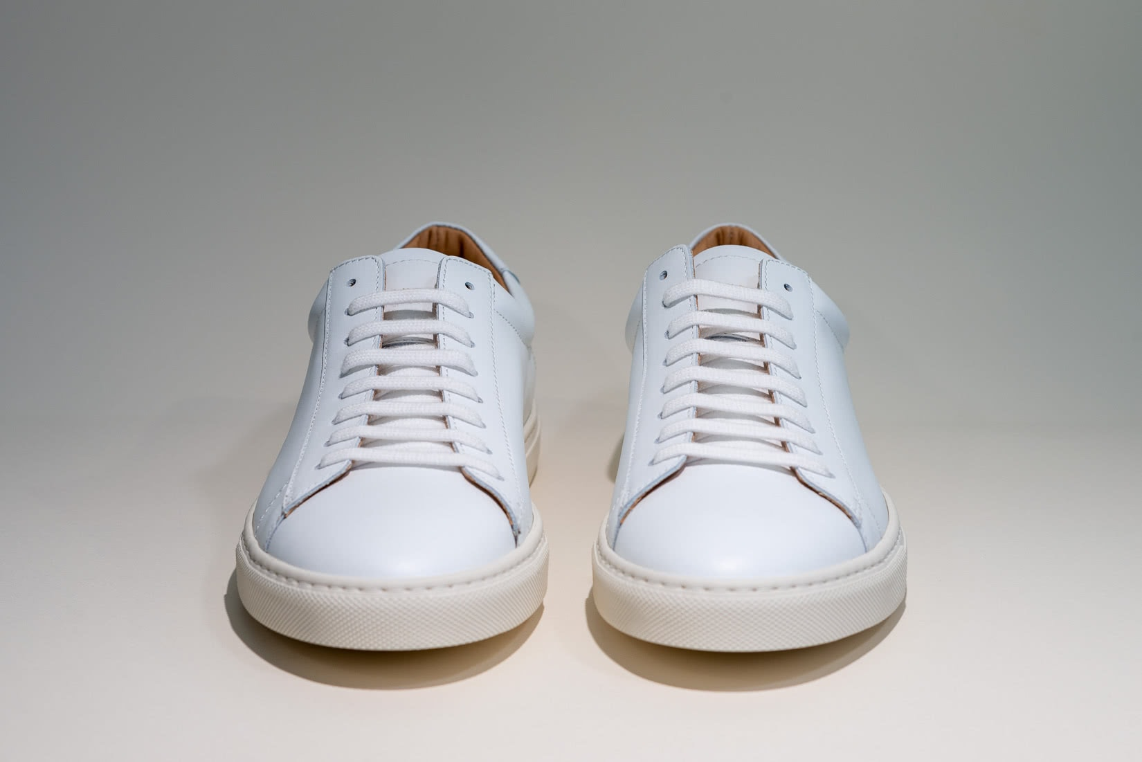 oliver cabell review low 1 sneakers front - Luxe Digital