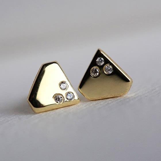 best jewelry brands capucinne studs review - Luxe Digital