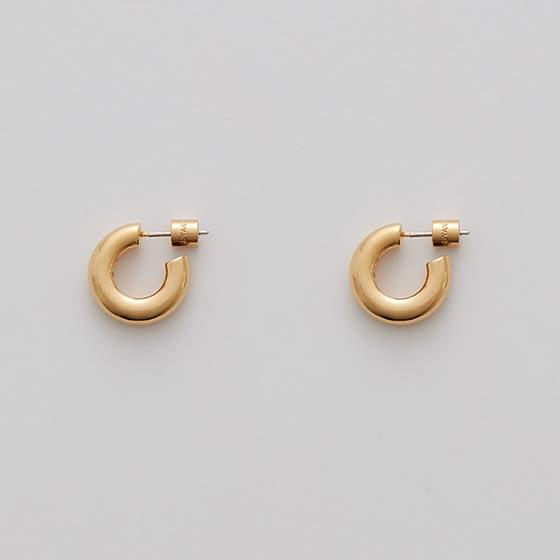 best jewelry brands cuyana mini hoop earrings review - Luxe Digital
