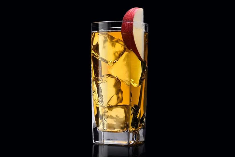 Receta de cóctel Jack Daniel's bourbon apple jack - Luxe Digital
