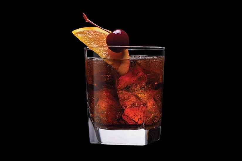 El padrino del bourbon de Jack Daniel no.  7 receta de cóctel - Luxe Digital