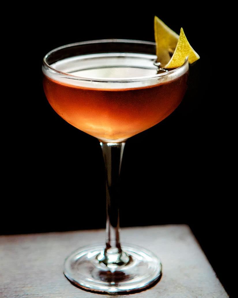 macallan la receta de cóctel de sangre y arena whisky amaretto - Luxe Digital