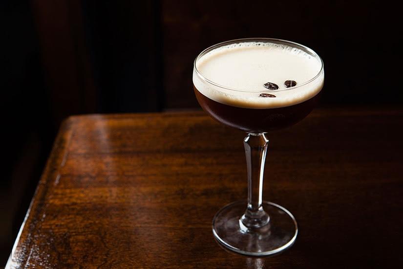 Receta de cóctel smirnoff vodka espresso martini - Luxe Digital