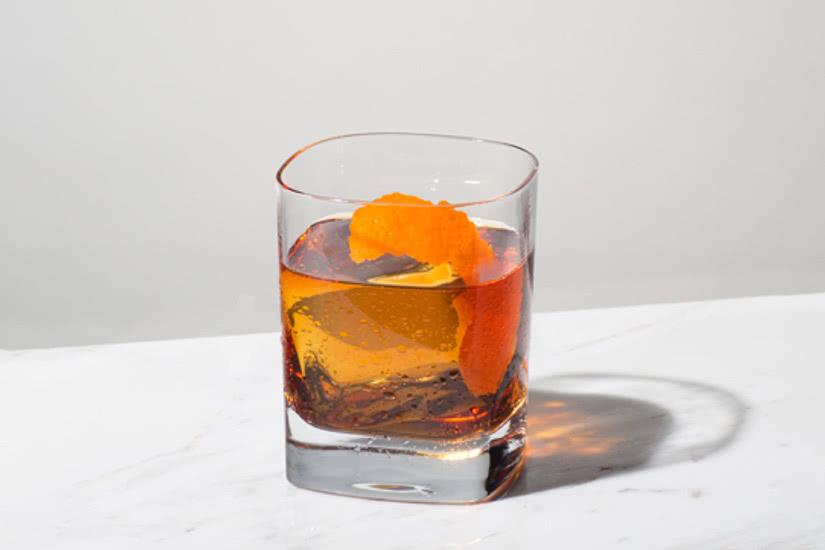1800 ingredientes de la receta del cóctel de tequila a la antigua - Luxe Digital