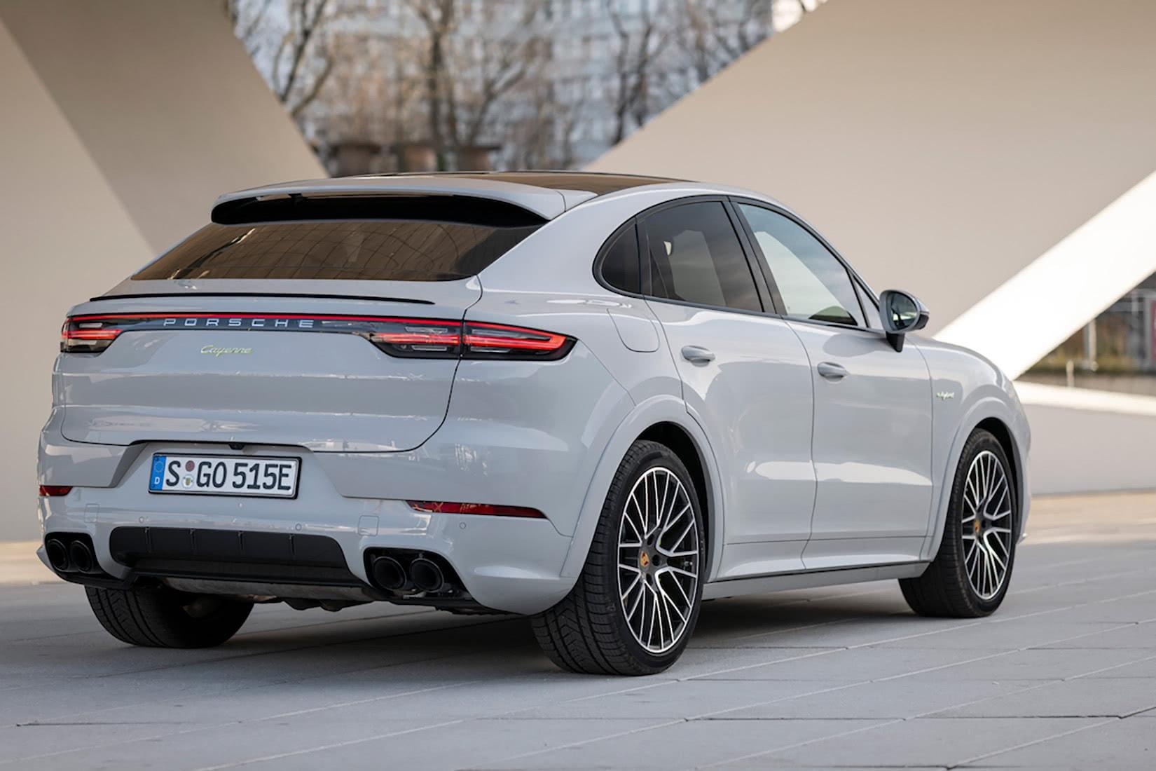 best luxury suv 2021 Porsche Cayenne Hybrid - Luxe Digital
