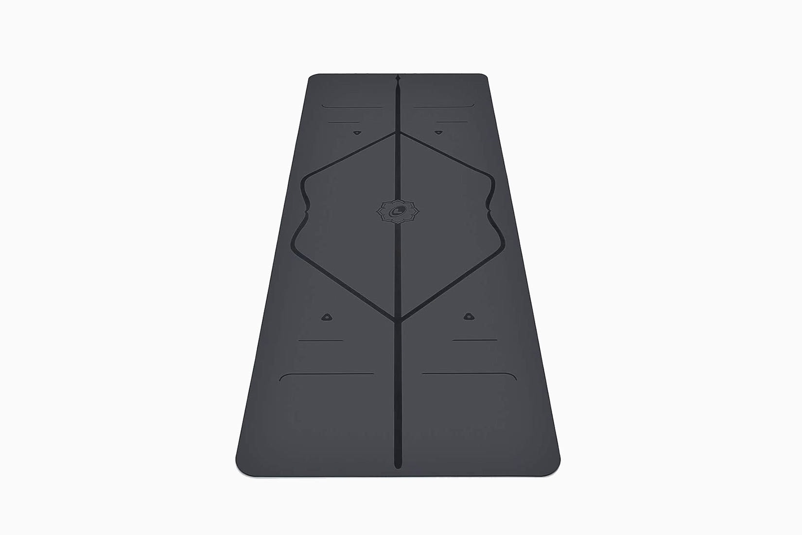 best yoga exercise mat alignment lines Liforme review - Luxe Digital