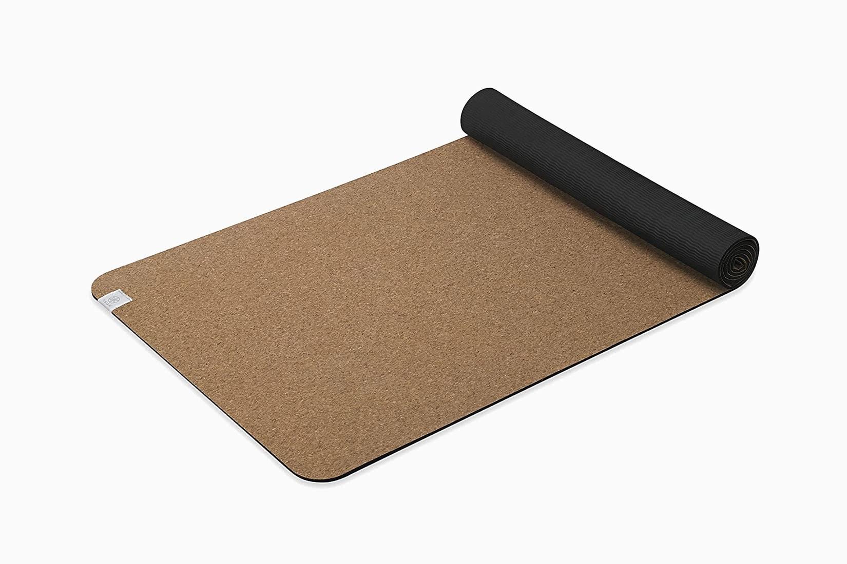 best yoga exercise mat cork Gaiam review - Luxe Digital