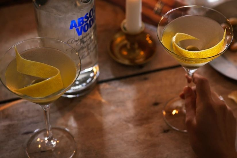 Absolut Vodka Bottle Martini Cocktail Recipe Price Size - Luxe Digital