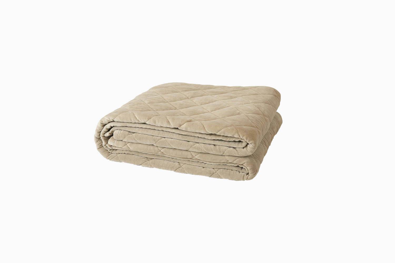 Best Weighted Blankets Saatva Organic Review - Luxe Digital