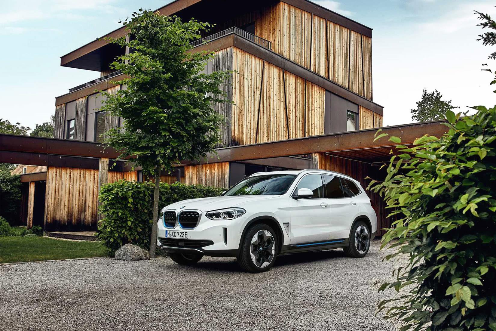 best luxury car brand BMW - Luxe Digital