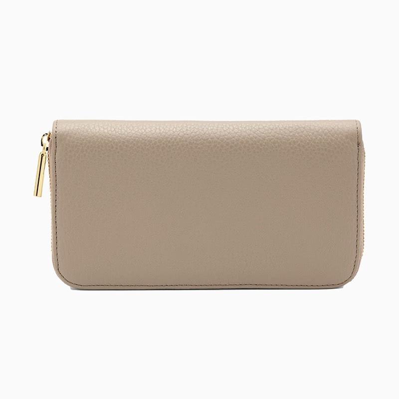 best gifts for women cuyana wallet - Luxe Digital