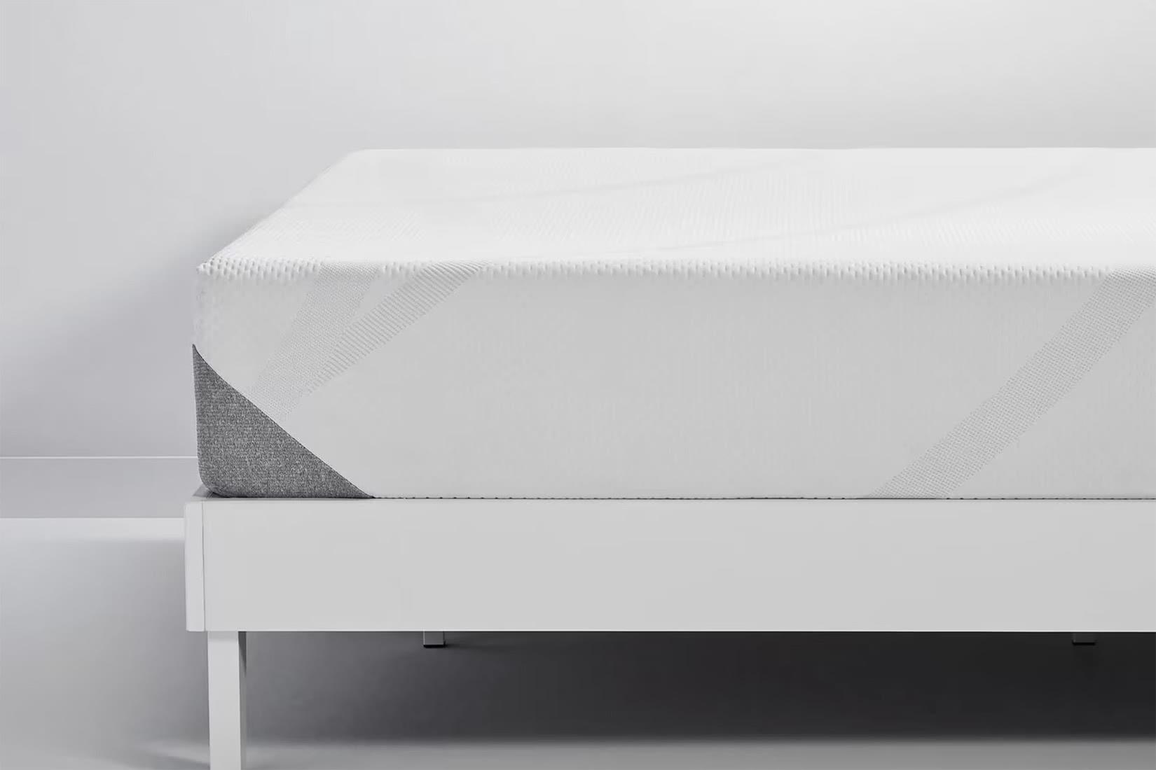 Tempur-Pedic cloud mattress layers review - Luxe Digital