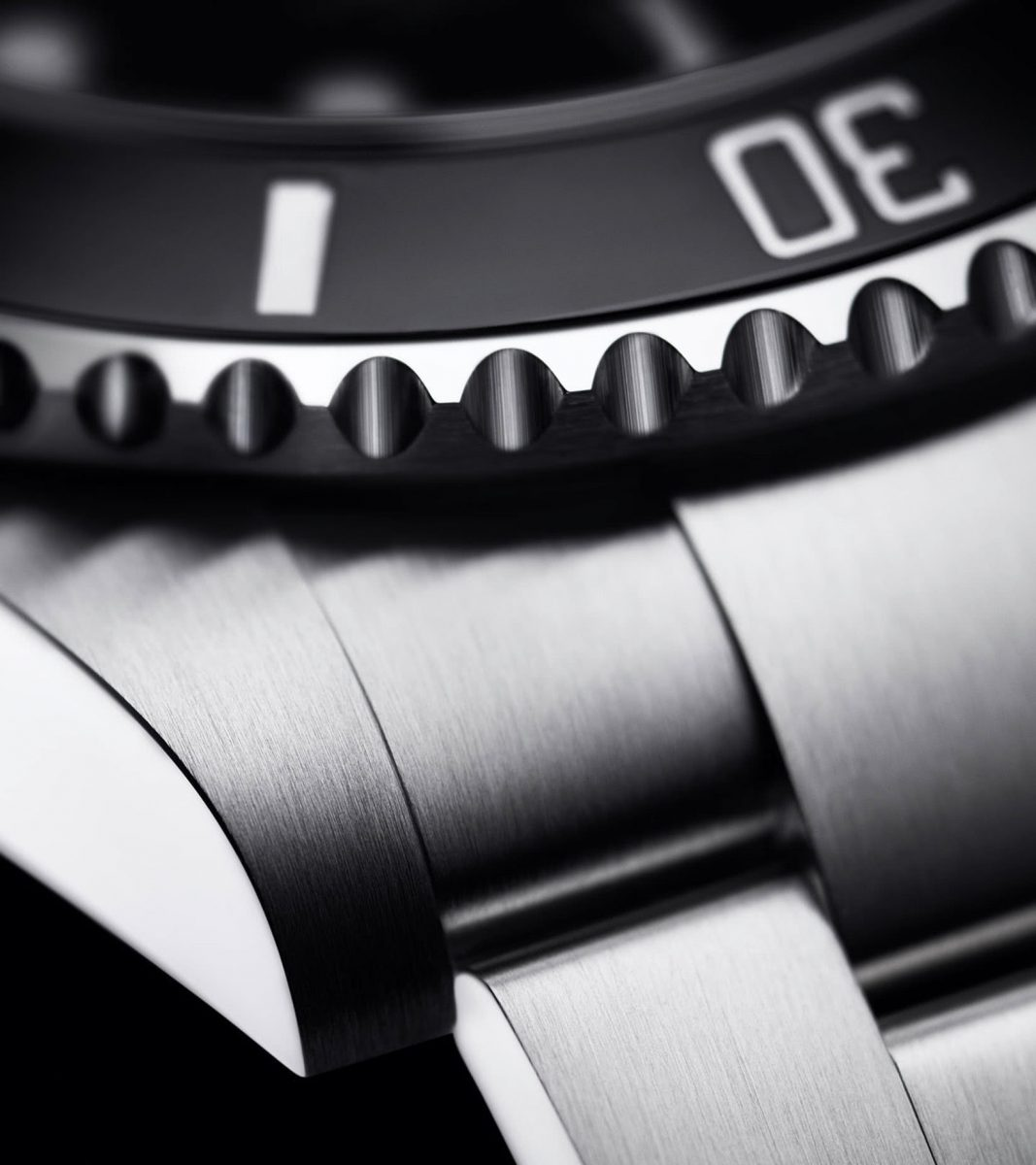 watch materials stainless steel - Luxe Digital