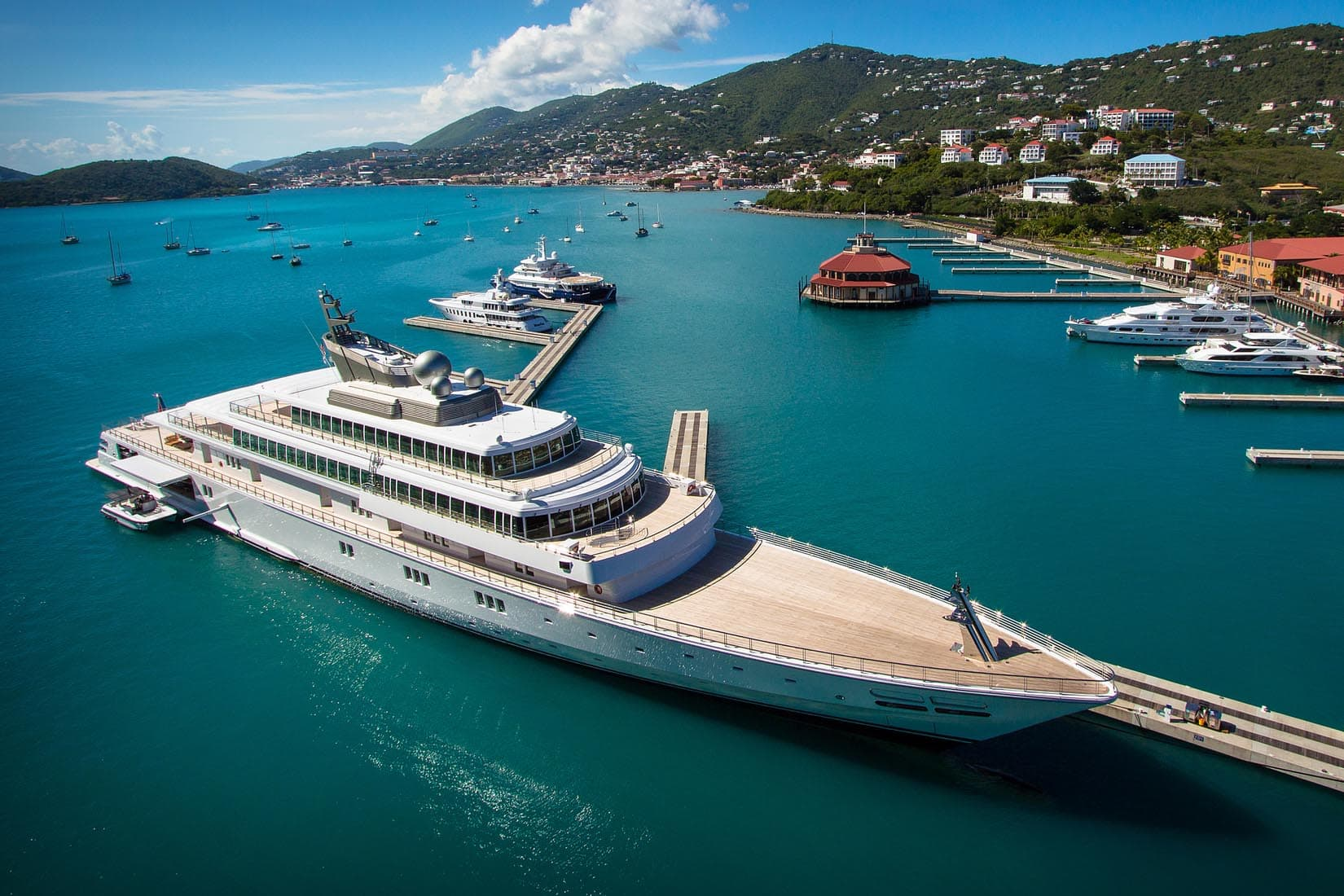 largest yacht rising sun review Luxe Digital