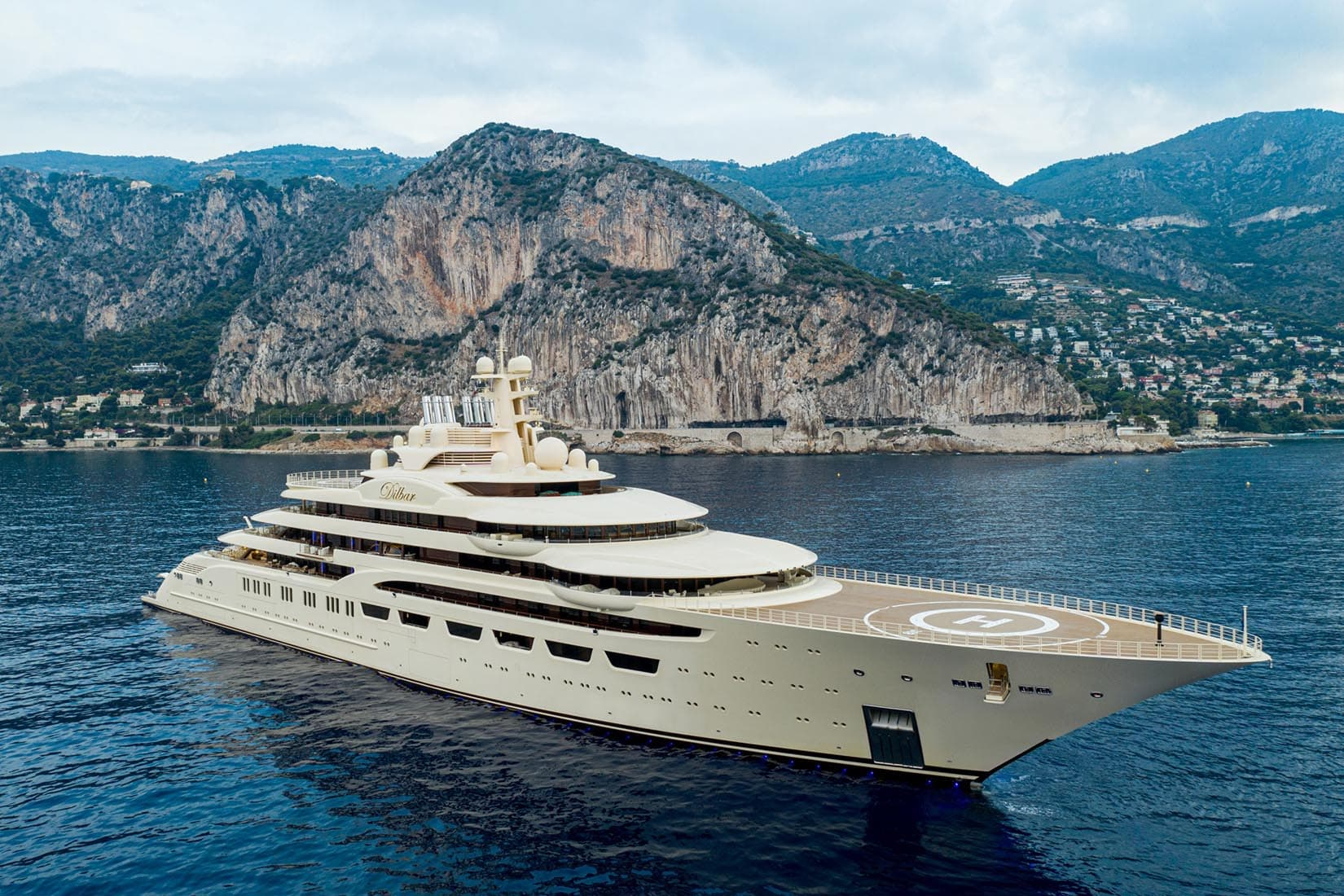 largest yacht dilbar review Luxe Digital