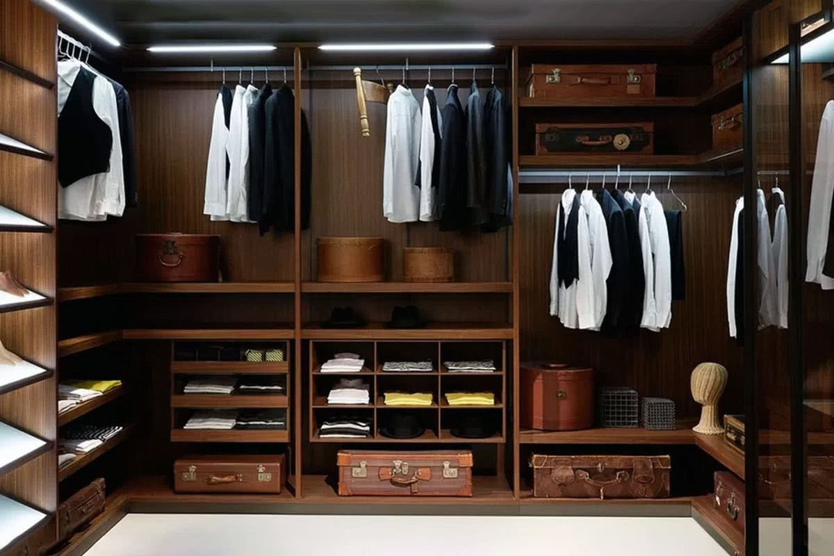 business professional men wardrobe essentials - Luxe Digital