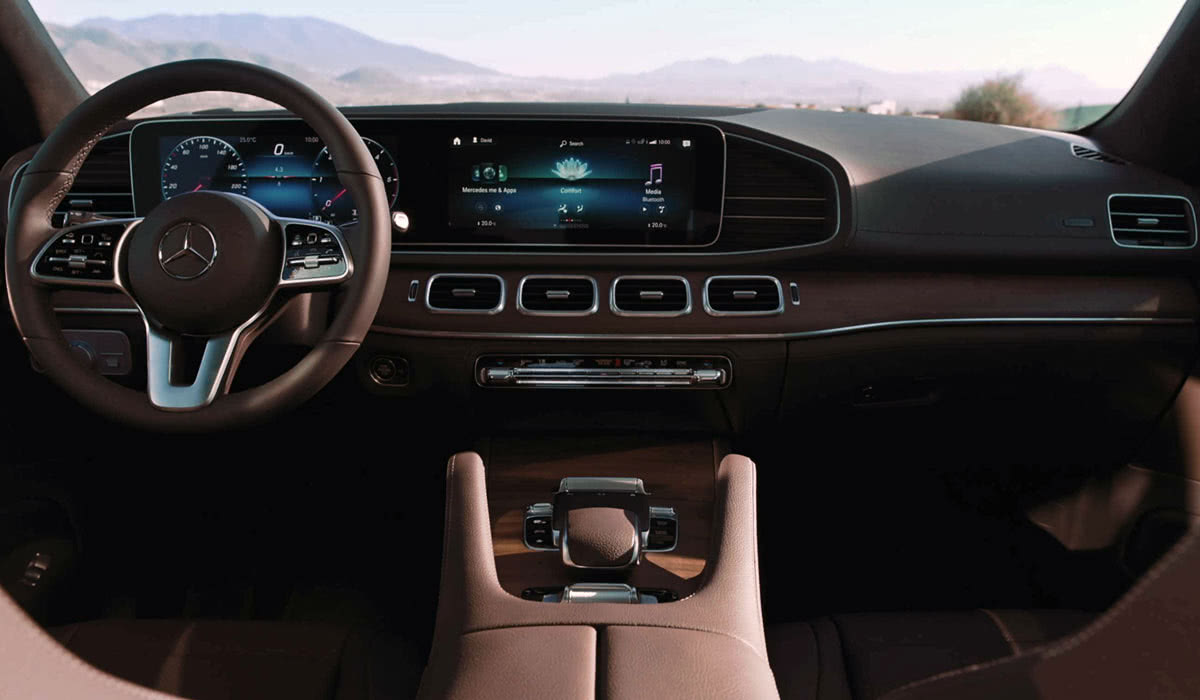 Mercedes-Benz GLE interior MBUX 2020 - Luxe Digital