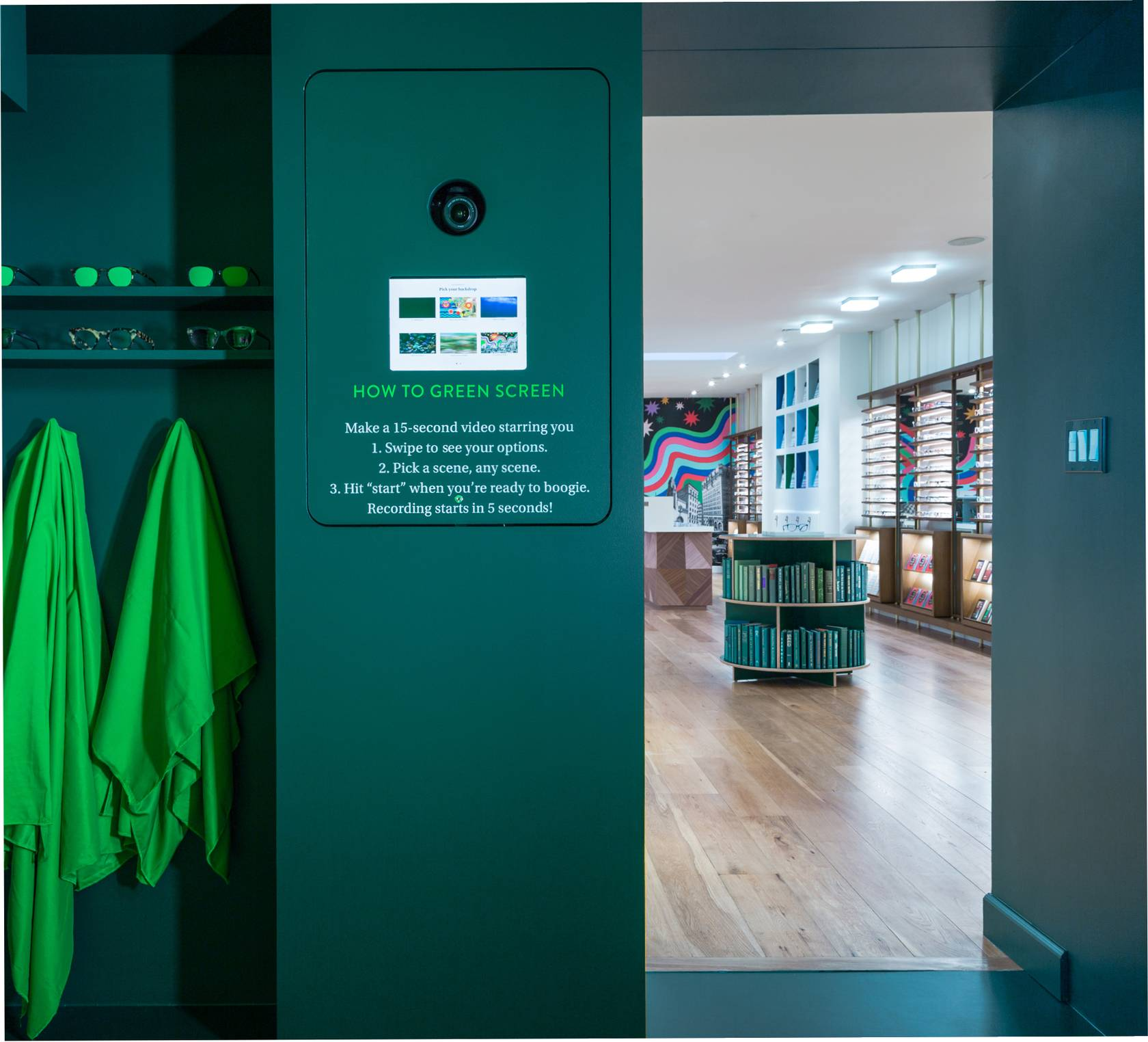 Warby Parker green room instagrammable retail store Luxe Digital Future online luxury retail