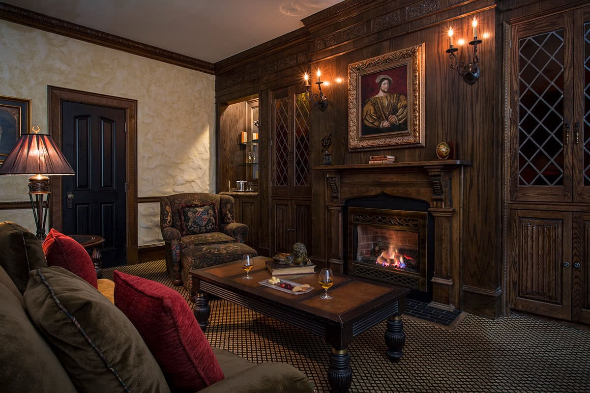 Luxe Digital luxury travel Chanler hotel Newport Rhode Island English Tudor living room